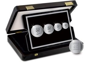 The Arnold Machin Queen Elizabeth II Philatelic Silver Set