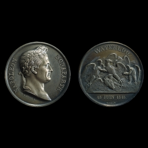 k146380 l - Battle of Waterloo commemorative issued… by France!