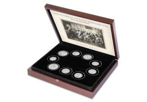 presentation box extra large with flat foam flipped - Nine Kings in one room, nine great European currencies…