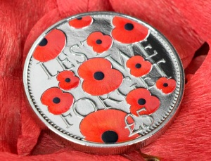 "The Official 2016 ""Lest We Forget"" £5 Poppy Coin"