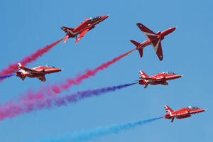 red arrows with smoke - Is being a Red Arrow just like being in Top Gun? Red 9 reveals all...