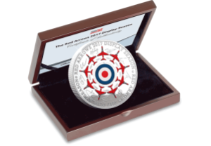 red arrows 2017 display season 5oz silver commemorative in display case1 - All 9 Red Arrow pilots put their names to the ultimate Silver tribute...and we've just presented it to them!